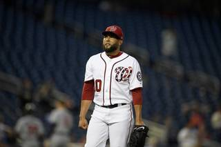 4297f1a20459ef969ec09be58bcb2568-320-0-70-8-Braves_Nationals_Baseball_2626975232.jpg