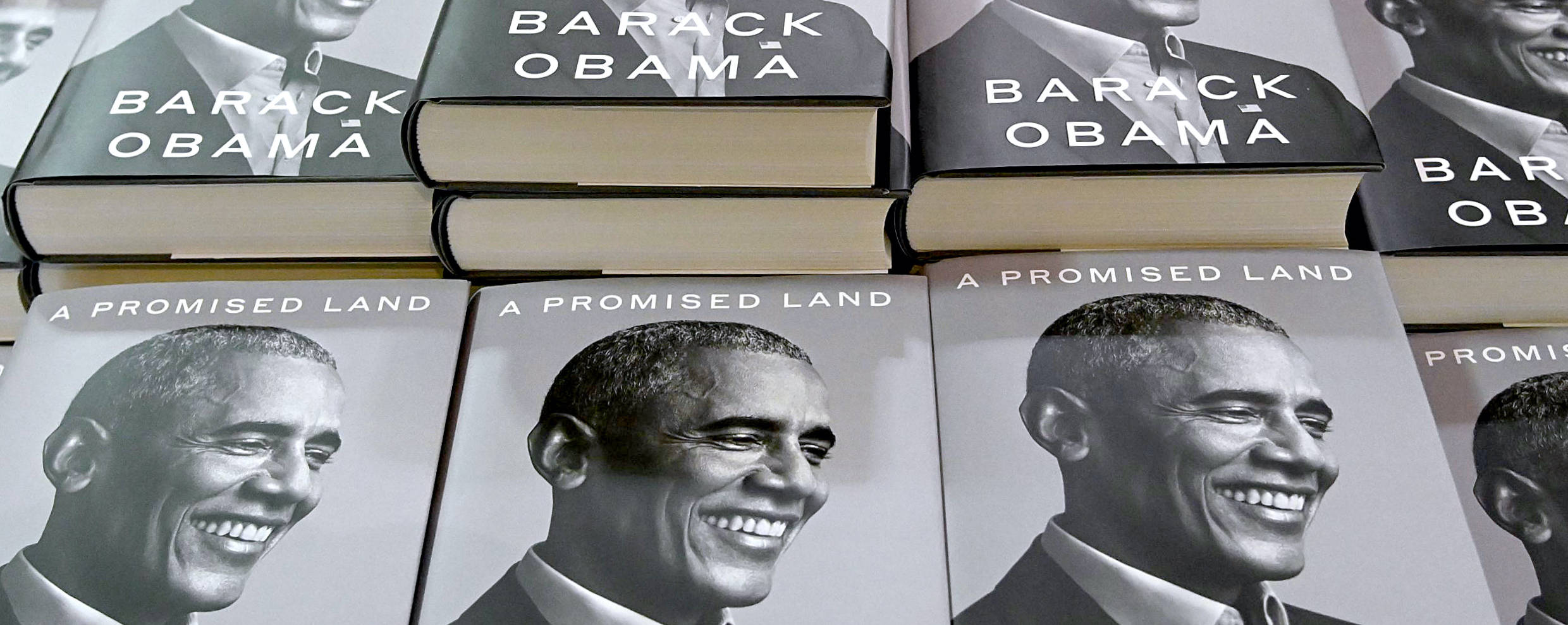 """""""A Promised Land"""" on sale at Barnes & Noble Union Square in New York City. (Photo by Jamie McCarthy/Getty Images)"""