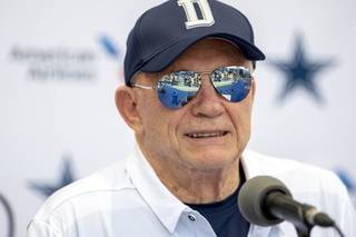 bca00f98ca08818f3592d8901cddc66c-320-0-70-8-Cowboys_Camp_Football_78755b9c3a.jpg