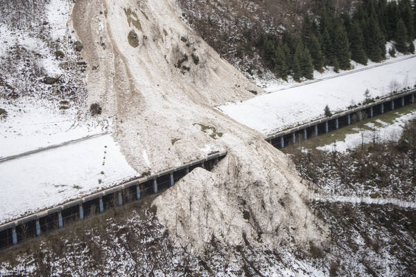 An avalanche hit Gurtnellen, Switzerland in the canton of Uri on Tuesday, Jan. 23, 2018. (Urs Flueeler/Keystone via AP)