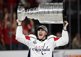 e0b6c9f170c4882320bb961f3564039d-320-0-70-8-ley_Cup_Capitals_Golden_Knights_Hockey_621727b2a4.jpg