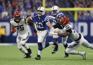 efa3499fce708330704904a6e7b083ea-320-0-70-8-Bengals_Colts_Football_34150aed83.jpg